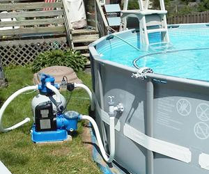 water pump to clean pool water of salt and sand automatically