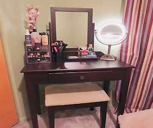 dark wood vanity set for small room with little space