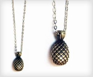 Dragan Egg Necklace of Daenerys Targaryen from the Game of Thrones