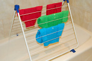 Bathtub drying rack for clothes