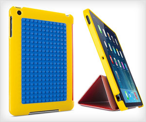 iPad Cover with LEGO base plate to build LEGO figures