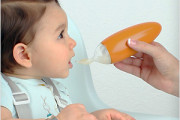 Baby Food Dispenser for feeding solid food without mess