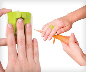 Palm Peeler fits in finger and palm